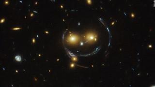 Hubblegalaxysmileyfacesuper169